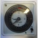 Horloge compact 24h avec réserve de marche Flash